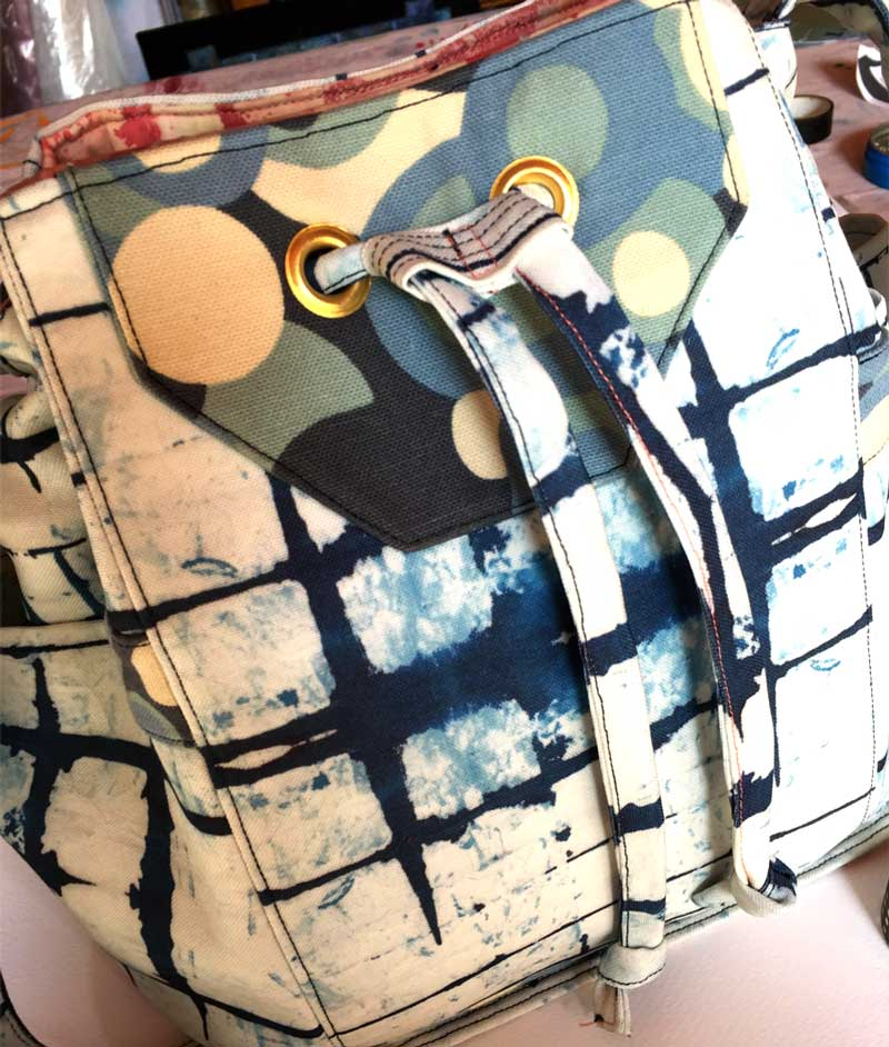 the finished bag from my spoonflower shibori fabric